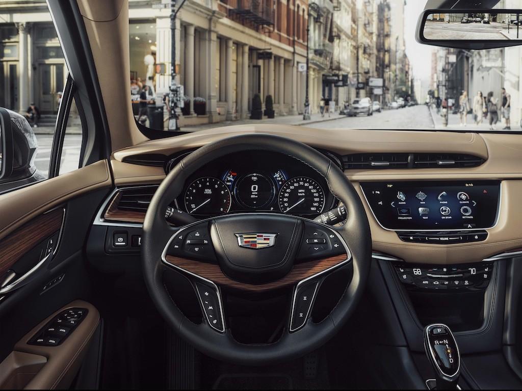 2017 Cadillac XT5 interior   Cadillac