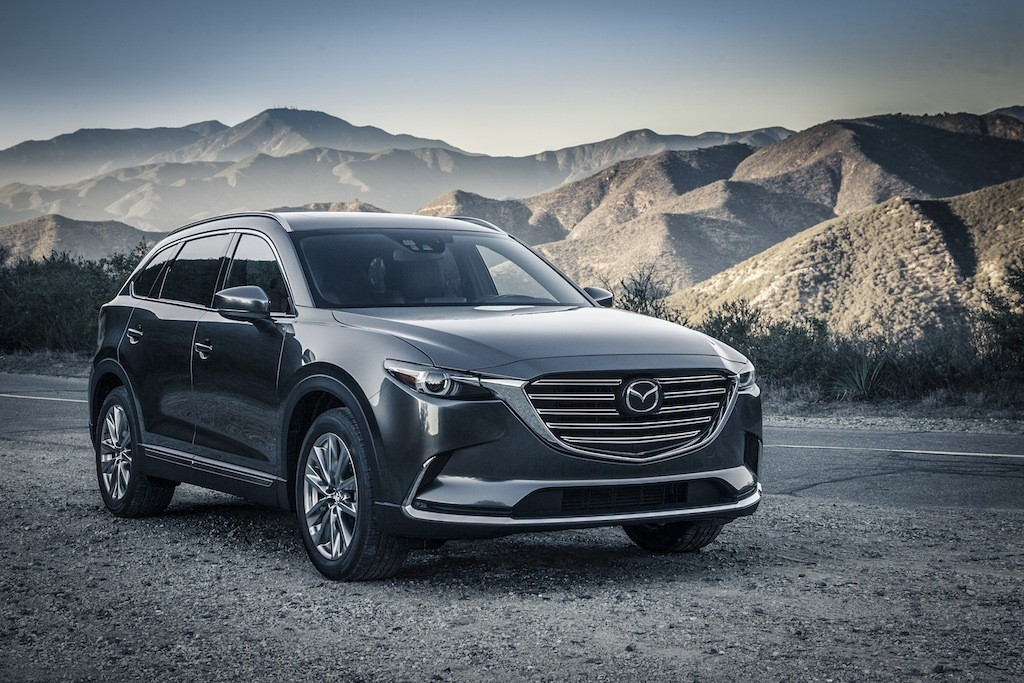 Front view of the 2016 Mazda CX-9