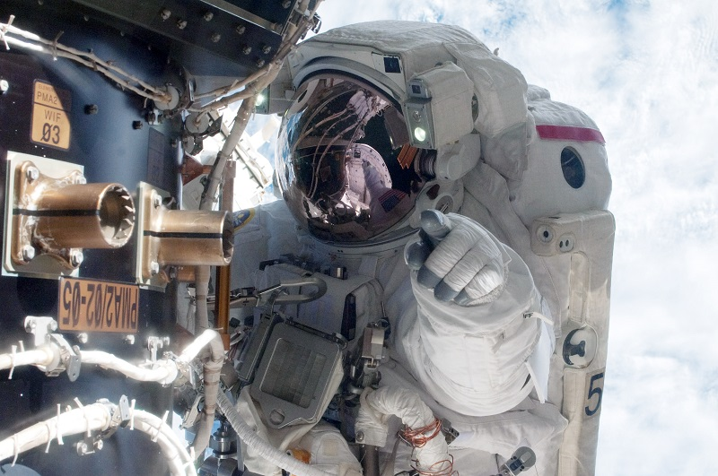 This astronaut knows you have a billionaire inside you