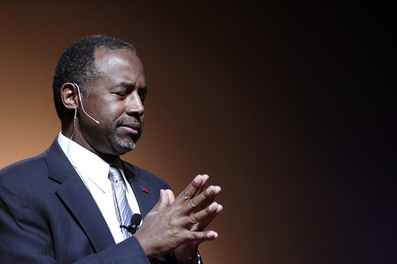 Dr. Ben Carson giving a presentation