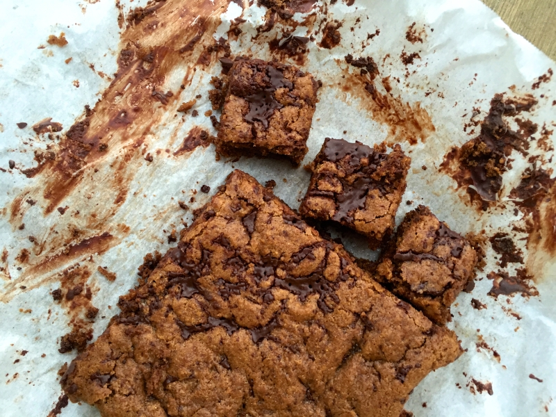 blondies with chocolate, bar cookies