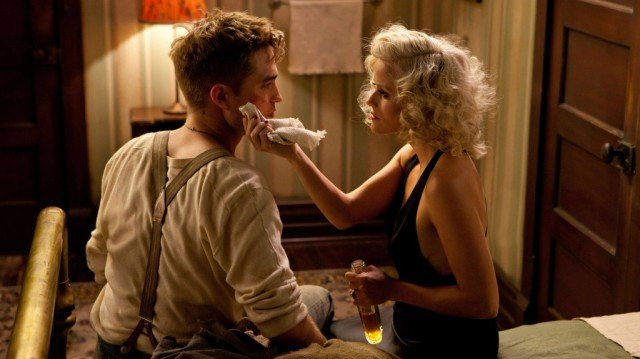 Robert Pattinson and Reese Witherspoon in 'Water for Elephants'