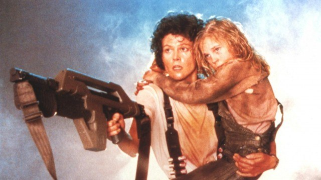 Sigourney Weaver and Carrie Henn in Aliens
