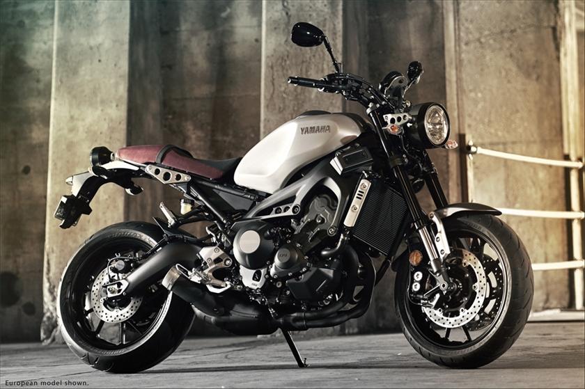 Yamaha_ XSR900_1