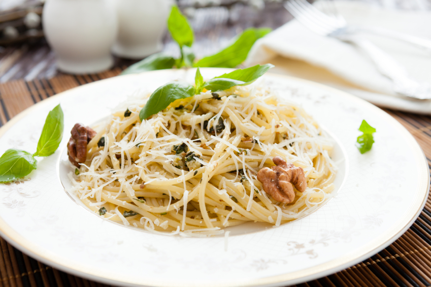 pasta with walnuts and cheese