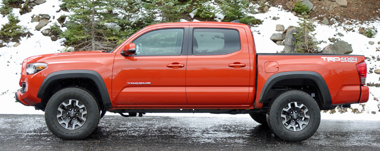 Side view of the 2016 Toyota Tacoma TRD Off Road.