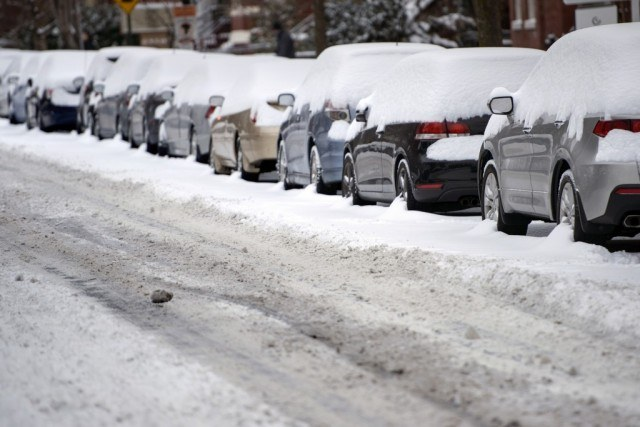 Cars stuck in snow | BRENDAN SMIALOWSKI/AFP/Getty Images