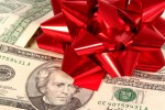 4 Ways to Find the Best Holiday Gifts for Less