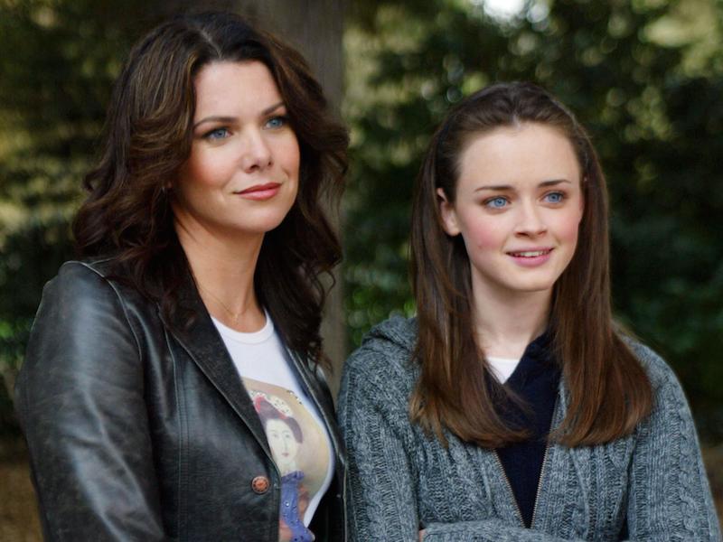 Lauren Graham and Alexis Bledel on Gilmore Girls
