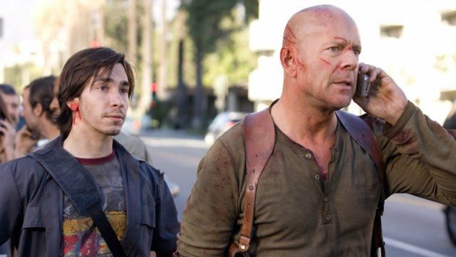 Justin Long and Bruce Willis in 'Live Free or Die Hard'