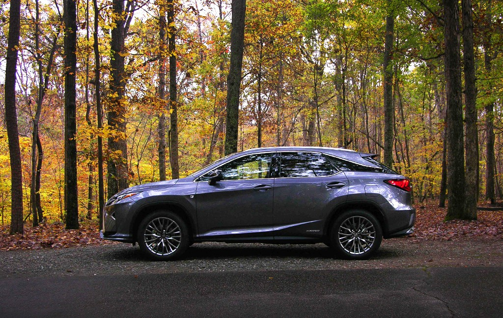 2016 lexus rx 450 hybrid is it worth the higher price tag. Black Bedroom Furniture Sets. Home Design Ideas