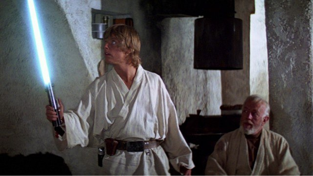 Mark Hamill and Alec Guinness in 'Star Wars: A New Hope'