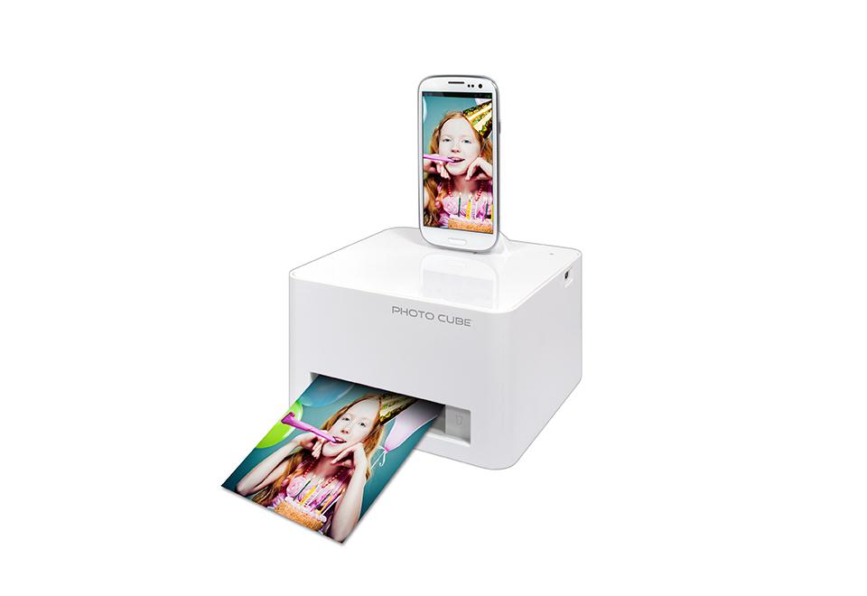 Photo Cube smartphone photo printer