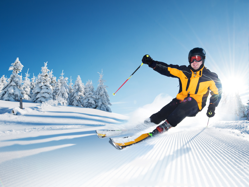 Man skiing.