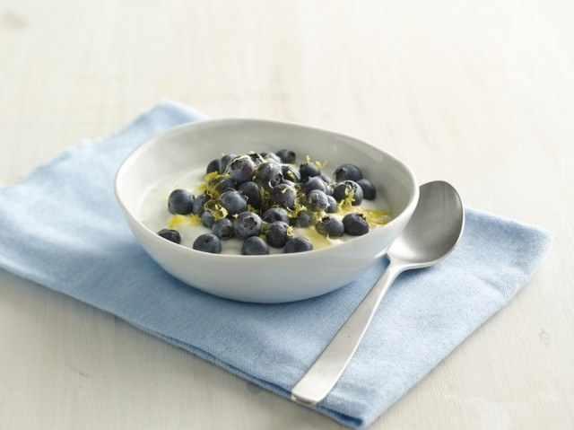 blueberry-lemon-coconut-yogurt-bowl