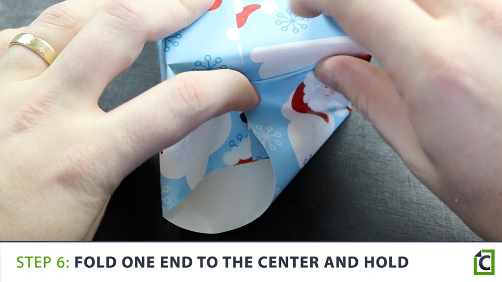 how to wrap a present 6