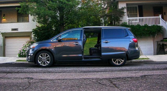 The Kia Sedona proves to be worth its price, and offers outstanding amenities