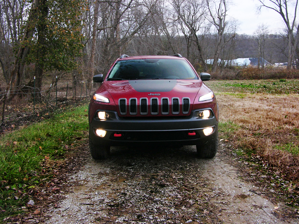 2016 jeep cherokee trailhawk review a wrangler for the suburban set. Black Bedroom Furniture Sets. Home Design Ideas