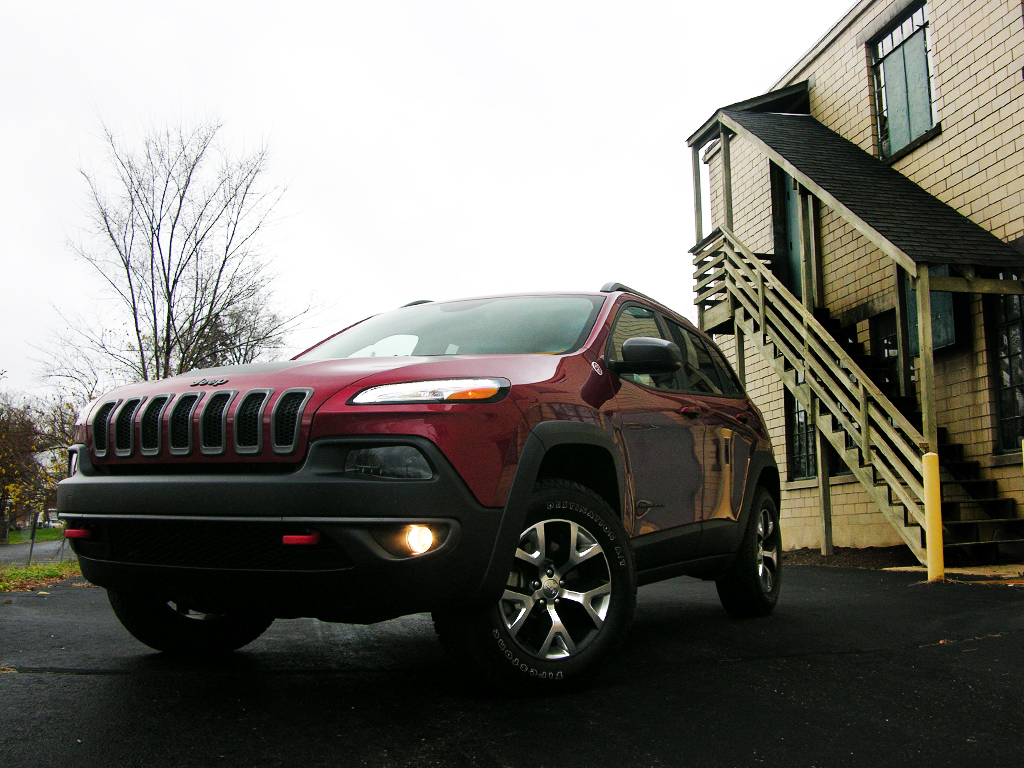 2016 jeep cherokee trailhawk review a wrangler for the suburban set part 2. Black Bedroom Furniture Sets. Home Design Ideas
