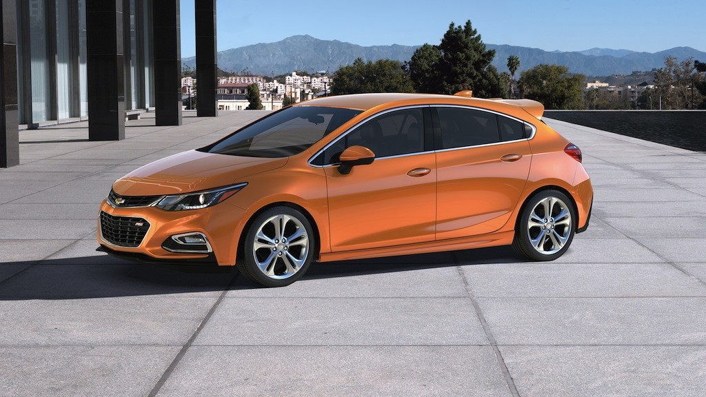 & Chevy Joins the 5-Door Club With the 2017 Cruze Hatch