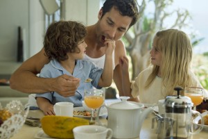 The 5 Worst Eating Habits Kids Learn From Their Parents