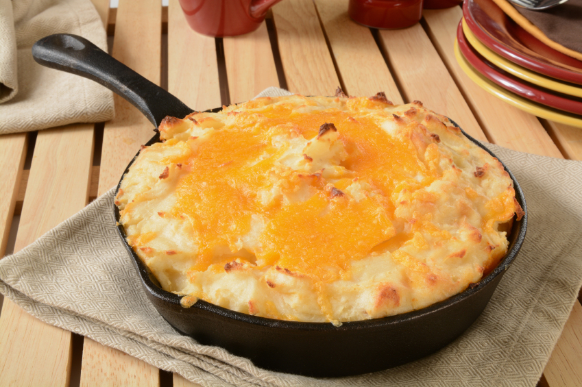 cast-iron skillet shepherd's pie with cheddar cheese