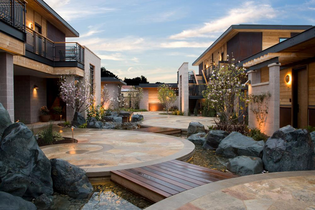 courtyard at Bardessano hotel in Yountville, California