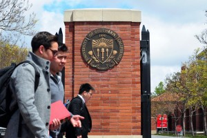 Should I Go to Grad School? 3 Questions to Ask Before You Enroll