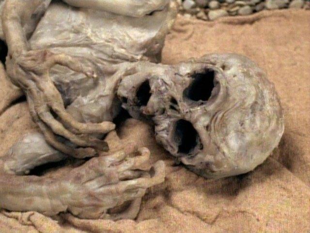 """'The X-Files' episode """"Anasazi"""""""
