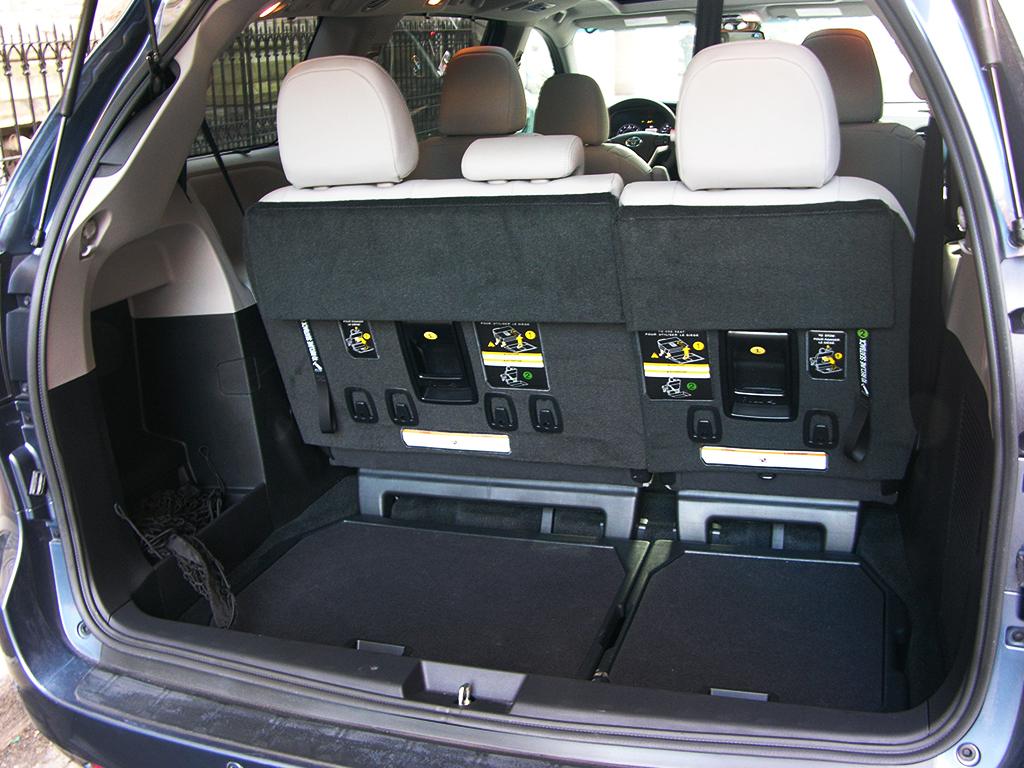 Honda Odyssey Vs Toyota Sienna >> Toyota Sienna Minivan Interior Dimensions | www.indiepedia.org