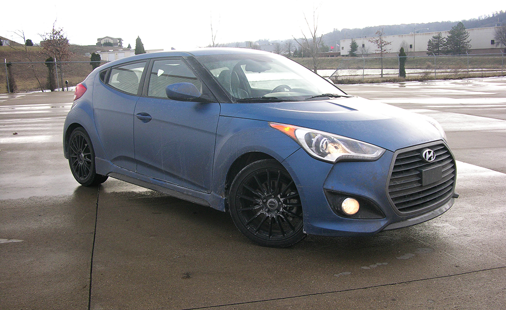 2016 hyundai veloster turbo review a good car for a great price. Black Bedroom Furniture Sets. Home Design Ideas