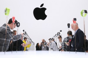 5 Apple Rumors: Dual-Lens Cameras and a 256GB iPhone 7