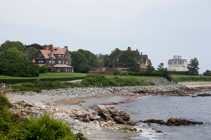 walking trail in Newport, Rhode Island