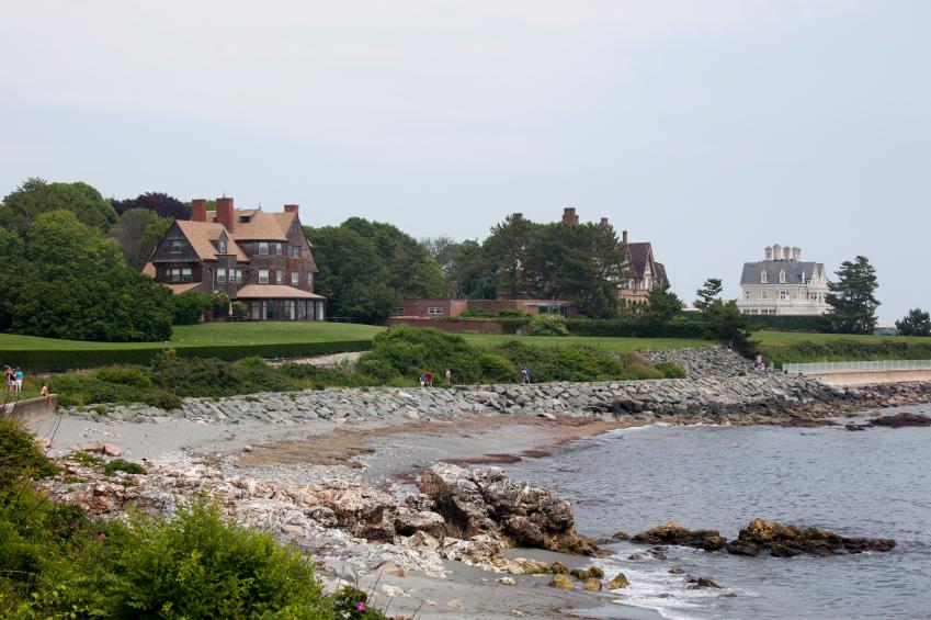 walking trail in Newport, Rhode Island