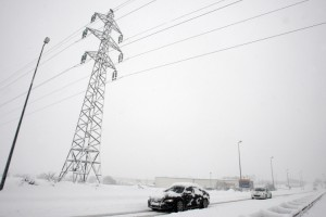 Electric Vehicles vs. Gasoline Cars in Cold Weather Driving
