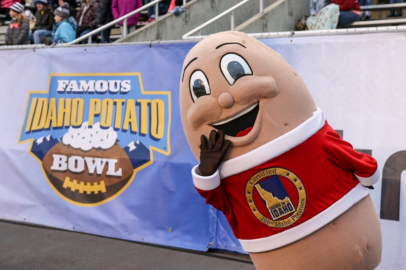The Famous Idaho Potato Bowl potato mascot at a football game