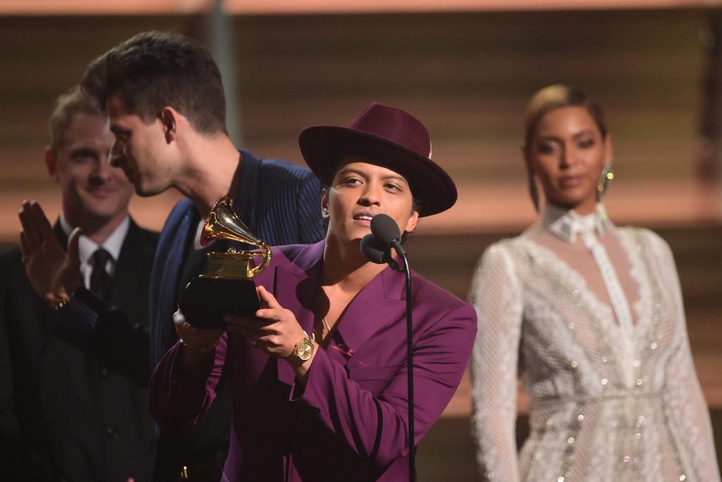 Bruno Mars with award
