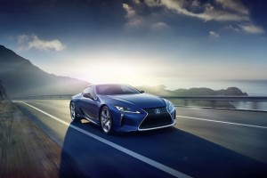 Lexus Aims to Go Haggle-Free, Dealers Grumble