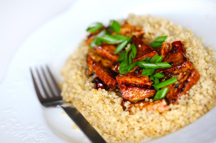 quinoa bowl with tofu and veggies