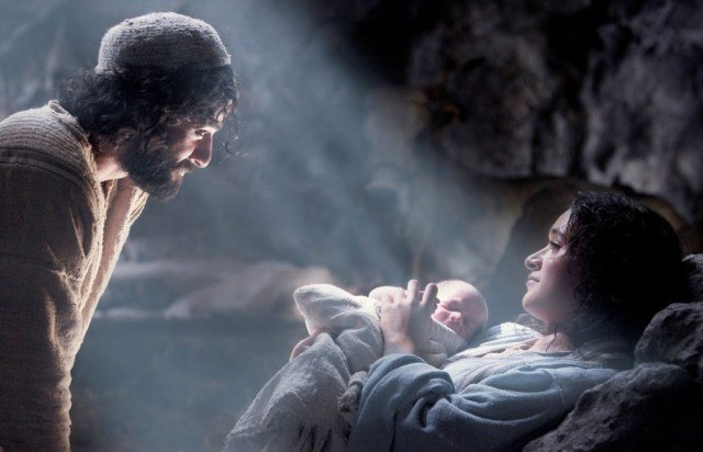 Oscar Isaac and Keisha Castle-Hughes star as Joseph and Mary in 'The Nativity Story'