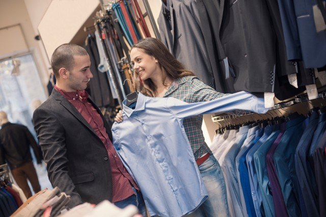 woman and man shopping