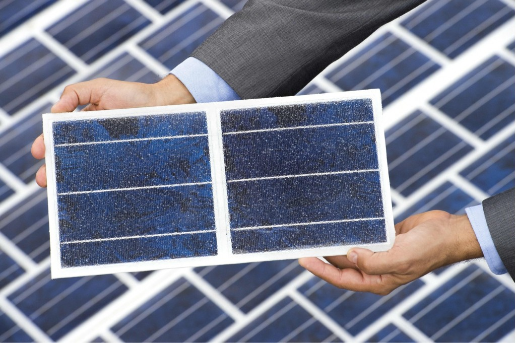 colas-wattway-road-mounted-solar-panels_100545913_l