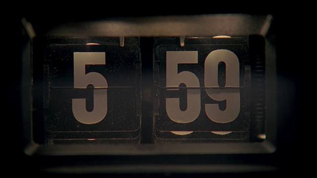 The clock, which reads 5:59, in 'Groundhog Day'