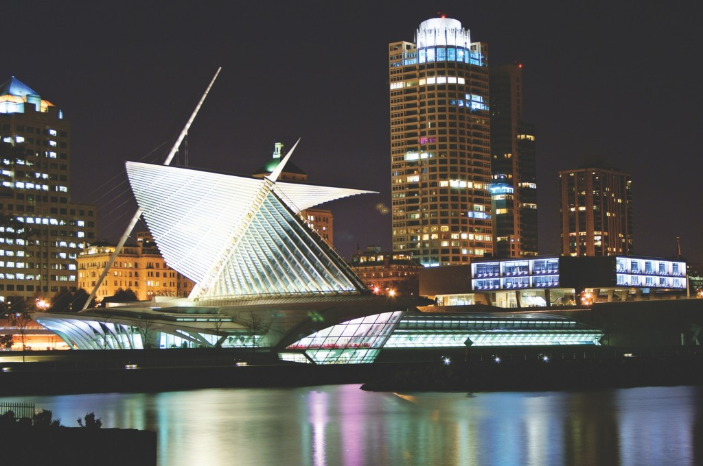 milwaukee skyline and art museum