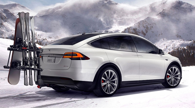 Tesla Model X takes to the slopes
