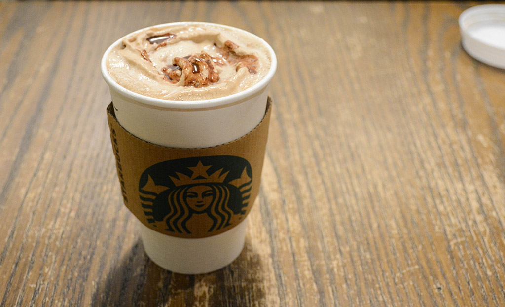 molten chocolate latte fro Valentine's Day from starbucks
