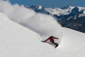 6 Great Destinations for Learning How to Snowboard