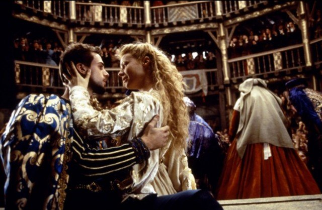 William Shakespeare (Joseph Fiennes) and Viola de Lesseps (Gwenyth Paltrow) embrace in a scene from 'Shakespeare in Love'