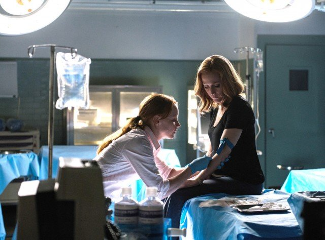 "Agent Einstien (Lauren Ambrose) and Dana Scully (Gillian Anderson) team up in 'The X-Files' finale ""My Struggle II"""