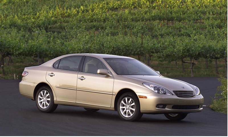 2002 Lexus ES 300.